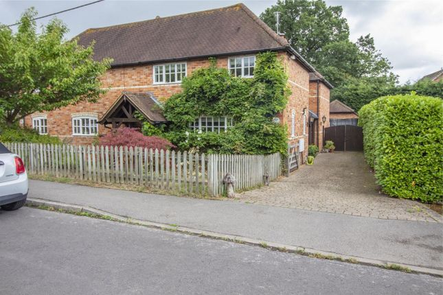 Thumbnail Cottage to rent in Bartley Heath, North Warnborough, Hook