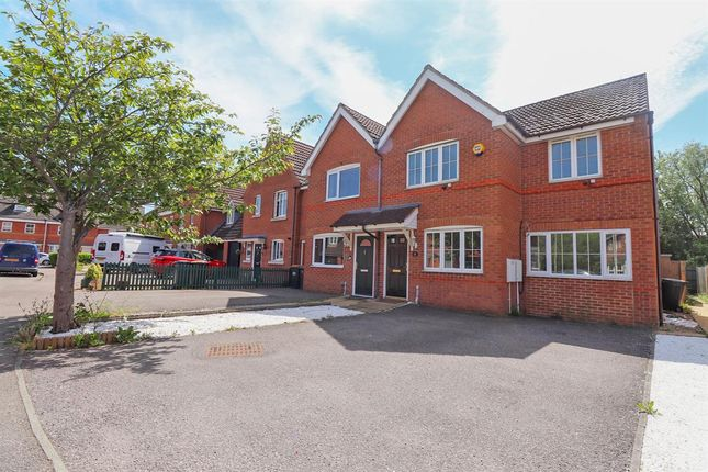 Thumbnail Semi-detached house to rent in Sandleford Drive, Elstow, Bedford