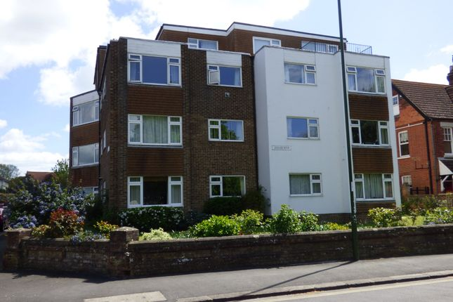 Thumbnail Flat to rent in Granville Road, Littlehampton