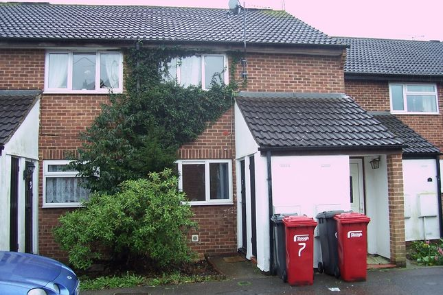 Thumbnail Maisonette to rent in Dunster Gardens, Cippenham, Berkshire