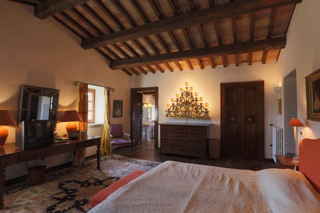 Bedroom of Casaccia, Monte Santa Maria di Tiberina, Umbria