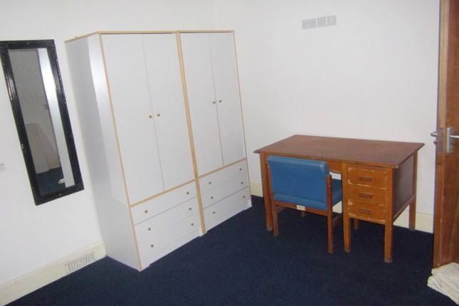Thumbnail Shared accommodation to rent in 107 Glanmor Road, Swansea