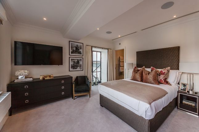 Thumbnail Flat to rent in Palace Wharf Apartments, Rainville Road