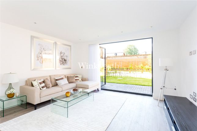 Thumbnail Property for sale in 1, Woodside Apartments, 2A Canning Crescent, London