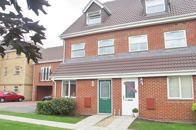Thumbnail Flat to rent in Drum Road, Eastleigh, Hampshire