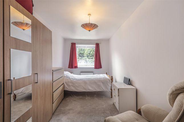 Bedroom of Epping Close, Reading, Berkshire RG1