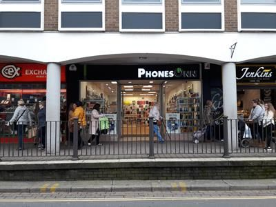 Thumbnail Retail premises to let in Unit 1 4-6 Dark Gate, Carmarthen, Carmarthenshire