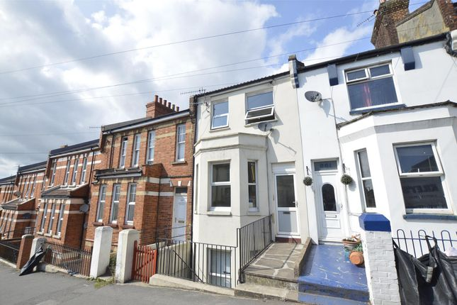 Thumbnail Maisonette to rent in Mount Pleasant Road, Hastings, East Sussex