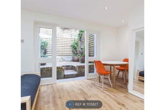 Thumbnail Studio to rent in Well Street, London