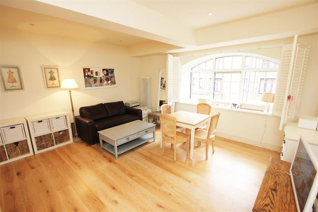 1 bed flat to rent in Prusoms Island, 135 Wapping High Street, Wapping E1W