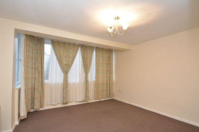 Thumbnail Flat to rent in Peninsula Building, Kersal Way, Salford.