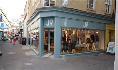 Thumbnail Retail premises to let in Ground Floor & Basement, 10 Northumberland Place, Bath, Bath And North East Somerset