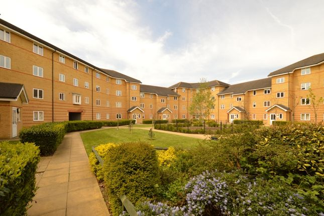 Thumbnail Flat to rent in Heath Court, Stanley Close, Eltham