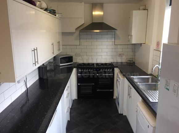 Thumbnail Shared accommodation to rent in Charlotte Road, Sheffield, South Yorkshire
