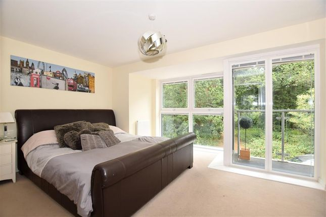 Thumbnail Detached house for sale in Beadsman Crescent, West Malling, Kent