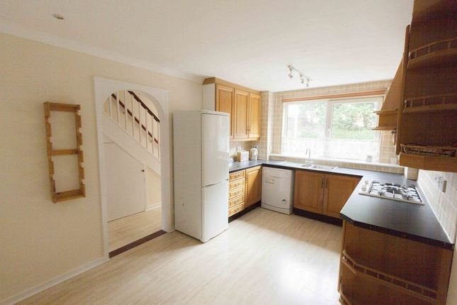 Thumbnail Property to rent in Rose Way, London