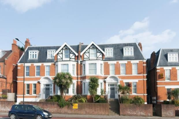 2 bed flat for sale in Finchley Road, Hampstead, London