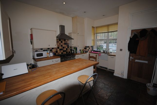 Thumbnail Terraced house to rent in 12 Ebor Mount, Hyde Park