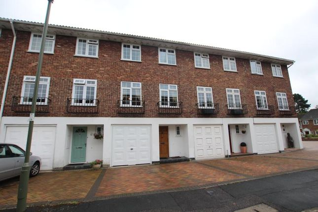 4 bed town house to rent in Langley Walk, Woking GU22