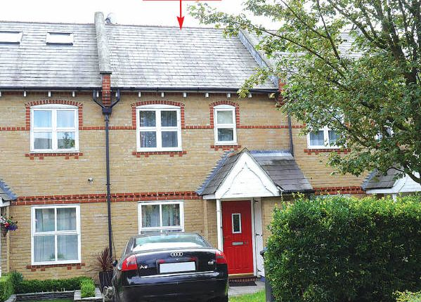 Thumbnail Terraced house for sale in Chamberlayne Avenue, Wembley