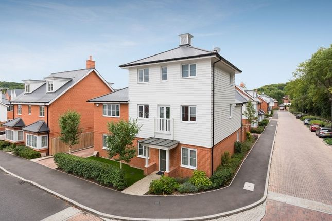 Thumbnail Detached house for sale in Sierra Road, High Wycombe