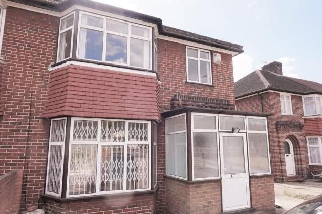 Thumbnail Property for sale in Hocroft Walk, Hendon Way, London