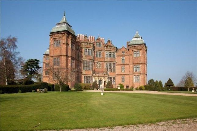 2 bed flat to rent in Westwood Park, Droitwich