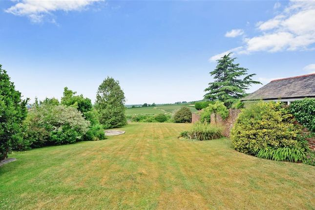Thumbnail Property for sale in Linton Hill, Linton, Maidstone, Kent