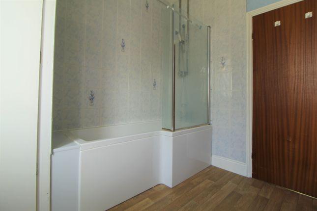 Bathroom of Station Road, Healing DN41