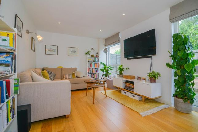 Thumbnail Property for sale in Halston Close, London