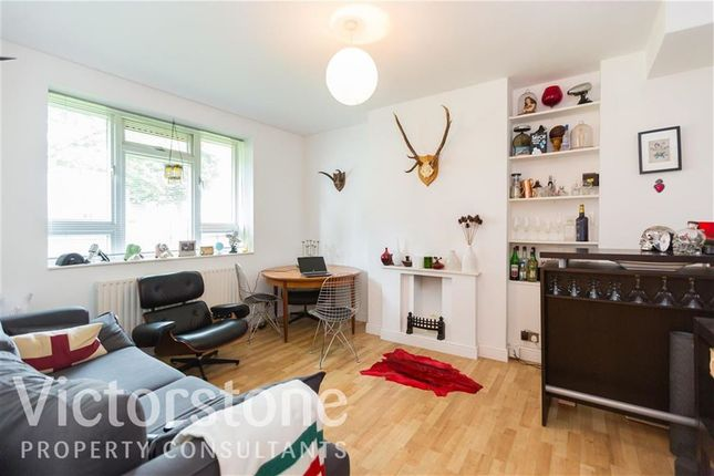 Thumbnail Flat to rent in Globe Road, Bethnal Green, London