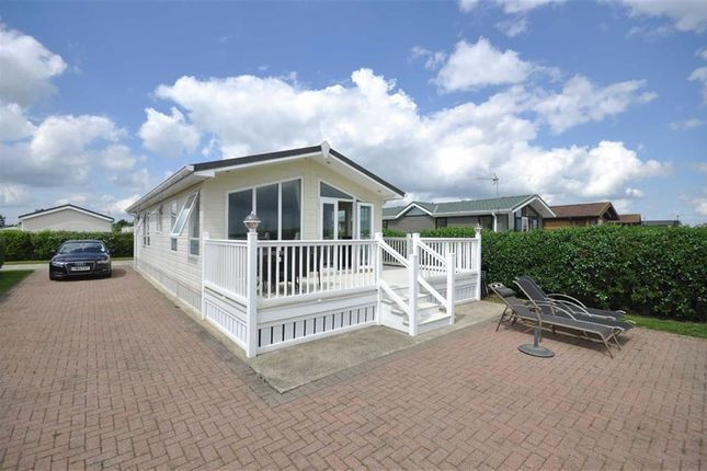 Thumbnail Mobile/park home for sale in The Headlands, Far Grange, Skipsea, East Yorkshire