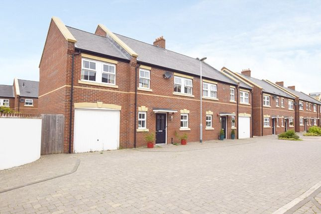 Thumbnail Flat to rent in Millstream, Exeter