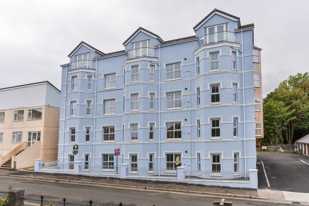 Thumbnail Flat to rent in Apt. 18 Wellington House, 74-76 Waterloo Road, Ramsey