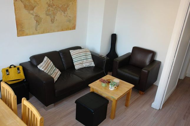 Thumbnail Flat to rent in 3 Oxford Road, London