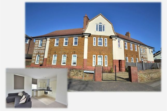 Thumbnail Flat for sale in York Avenue, Hunstanton