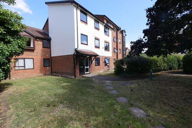 Thumbnail Flat for sale in Gresham Road, Staines-Upon-Thames