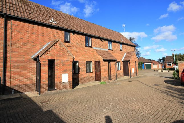 2 bed flat to rent in Manor Court, Aylsham, Norwich NR11