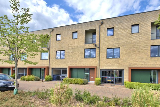 Thumbnail Terraced house to rent in Spinney Road, Trumpington, Cambridge