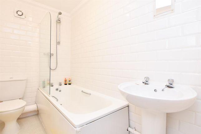 Bathroom of Robertson Terrace, Hastings TN34