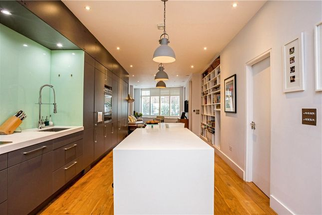 4 bed terraced house for sale in Bollo Lane, London