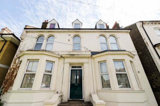 Thumbnail Flat to rent in Eglinton Hill, Plumstead