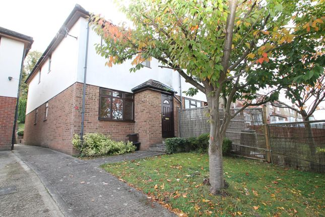 Thumbnail Terraced house to rent in Eaton Place, Eaton Avenue, High Wycombe