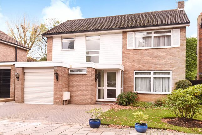 Thumbnail Property for sale in Warburton Close, Harrow Weald, Middlesex