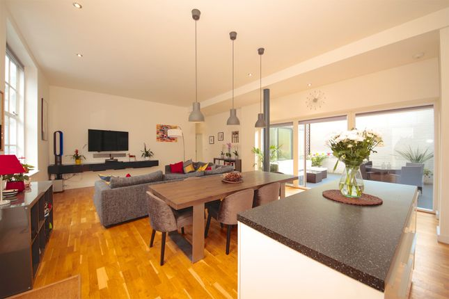 Thumbnail Flat for sale in 8 Station Rise, London