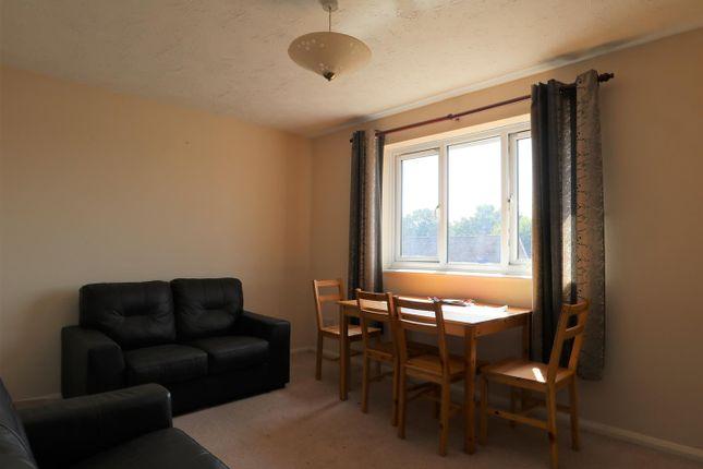 Lounge of Odette Gardens, Tadley RG26