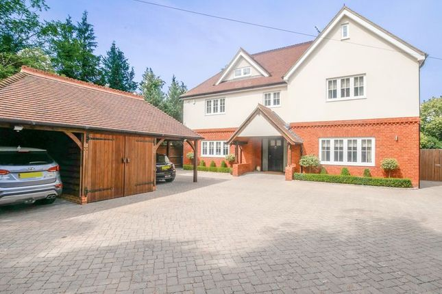 Thumbnail Detached house for sale in Berries Road, Cookham, Maidenhead