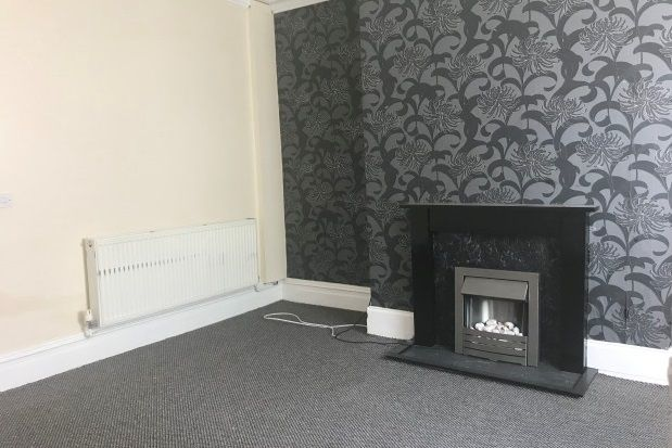Thumbnail Property to rent in Hollins Road, Oldham