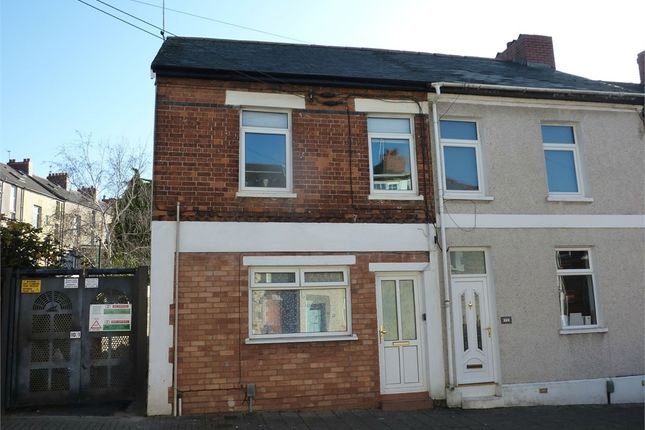 2 bed flat to rent in Pill Street, Penarth CF64