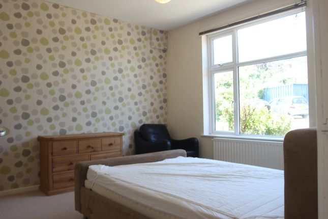 Thumbnail Flat to rent in Merthyr Road, Llanfoist